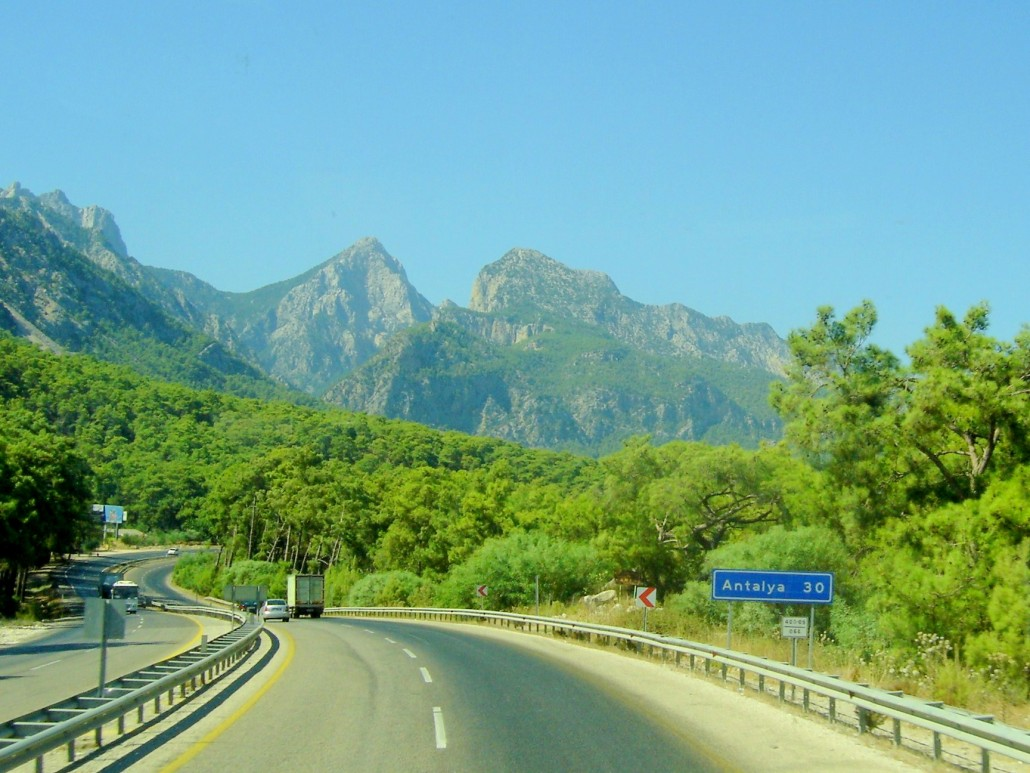 Antalya kemer yolu