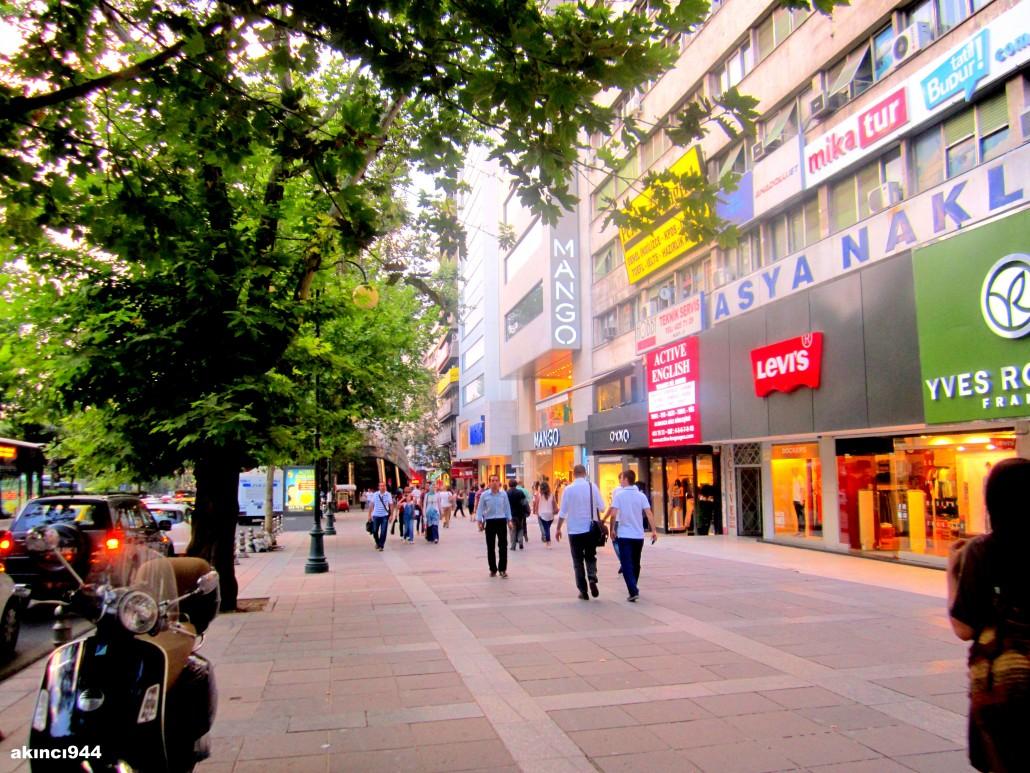 Ankara Atatürk Bulvarı