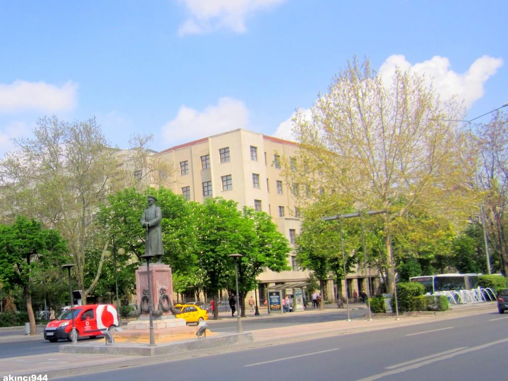 Ankara Atatürk Bulvarı Zafer Meydanı