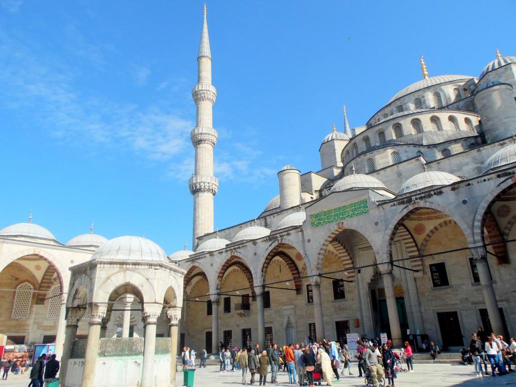 Sultanahmet Camisi iç avlu ve şadırvan