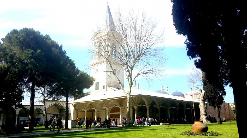 Topkapı Sarayı Divan Meydanı