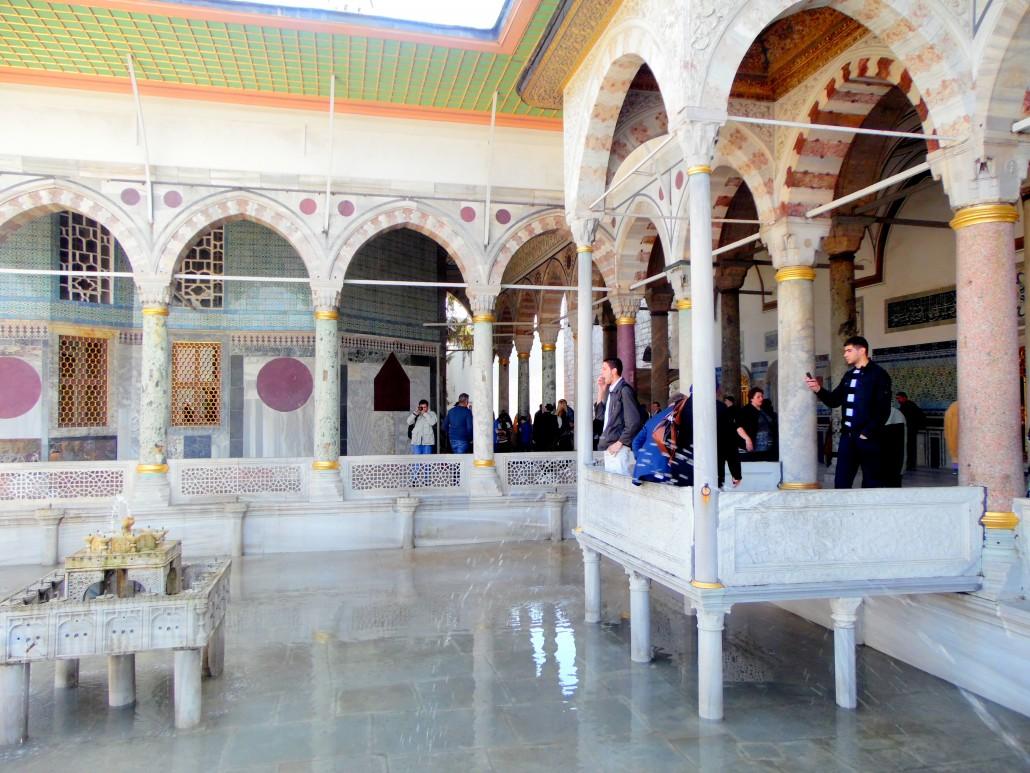 İstanbul Topkapı Sarayı Padişahlar Avlusu-Sofa-i Hümayun