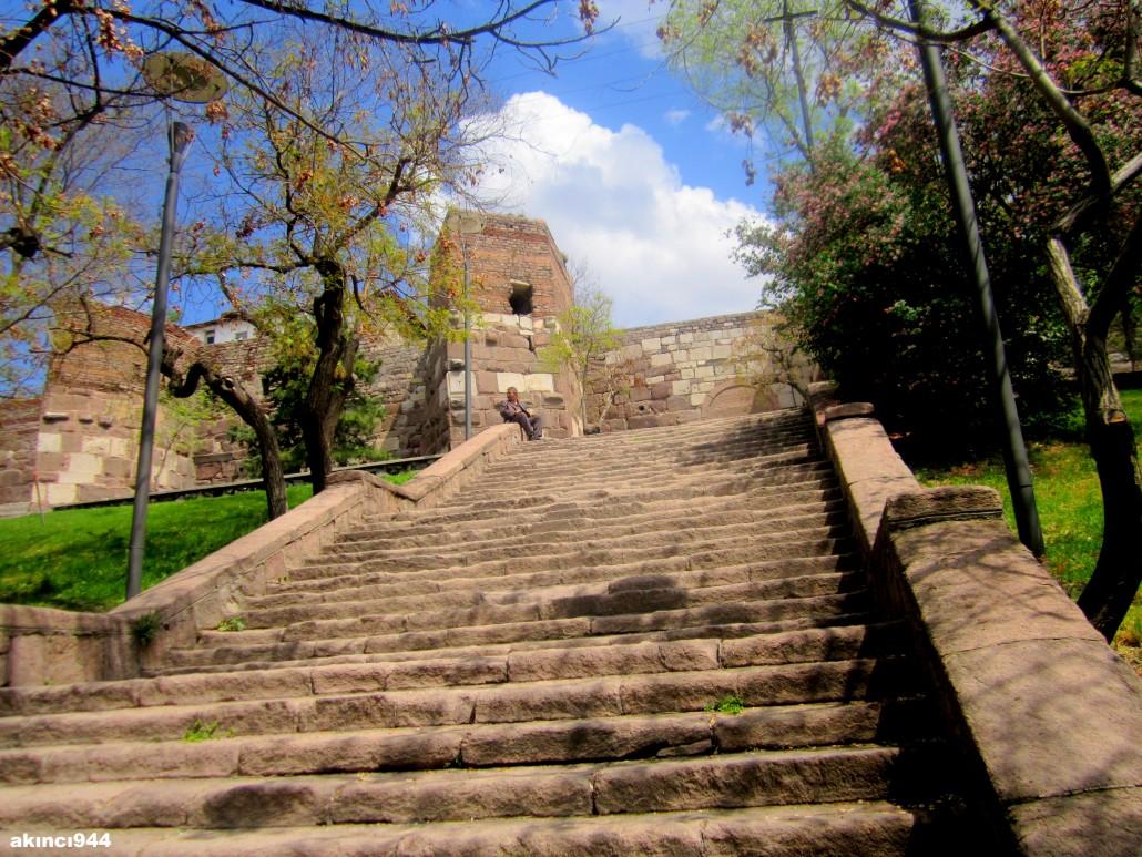 Ankara Kalesi Dış kapı surları