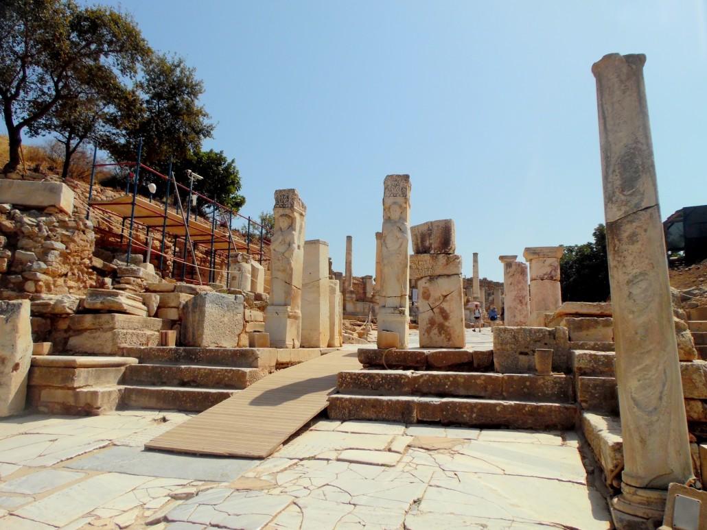 Efes Antik Kenti Heraklıs Kapısı