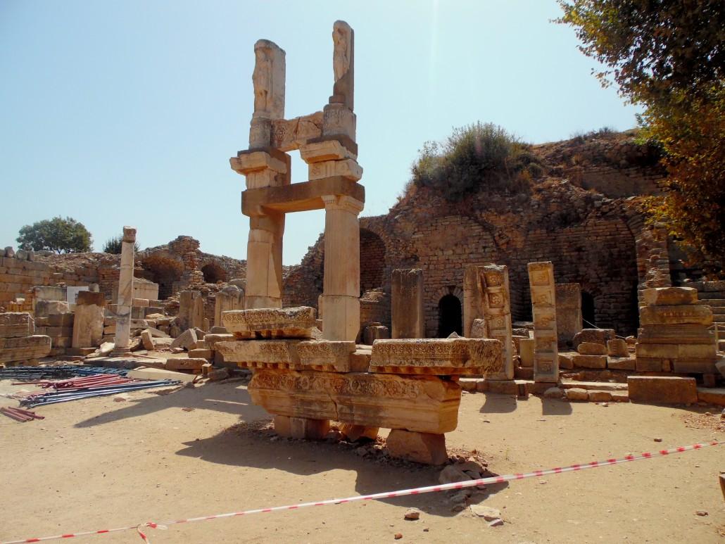 Efes Antik Kenti Domitianus Tapınağı