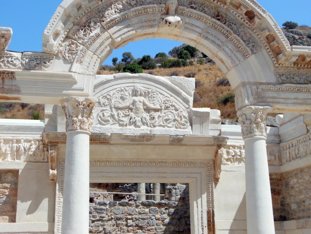 Efes Antik Kenti  Hadrianius Tapınağı