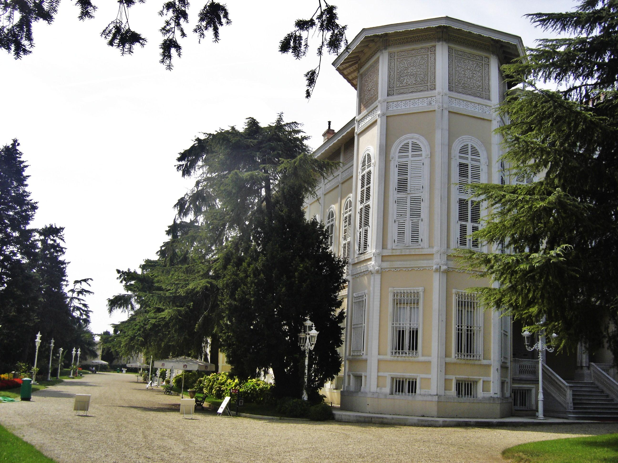 AKINCI 944 - Beşiktaş'ta Osmanlı Saray ve Köşkleri