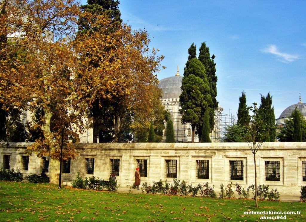Süleymaniye Camii Türbeleri