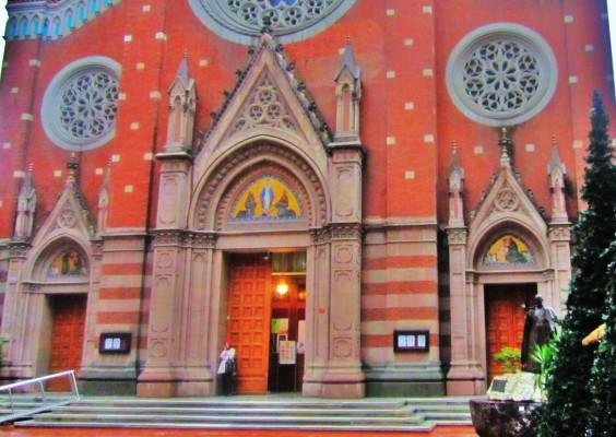 St. Antuan katolik Kilisesi (1)