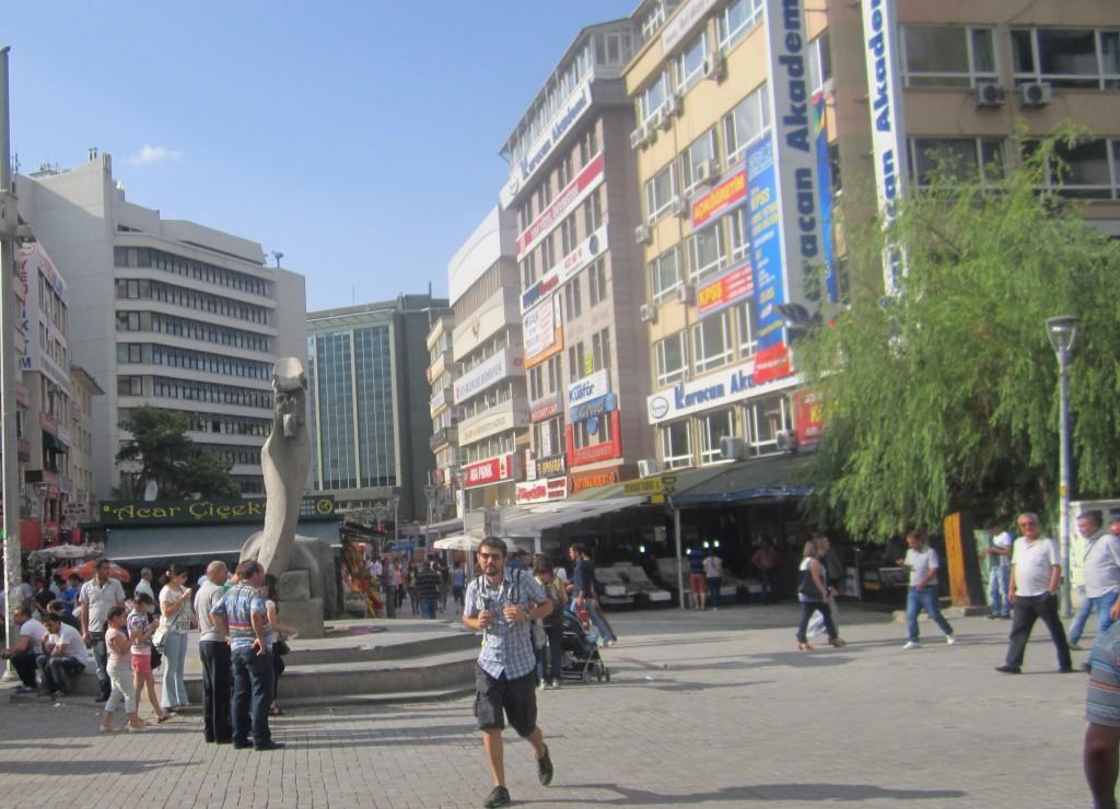Ankara Kızılay'da bir öğleden sonra