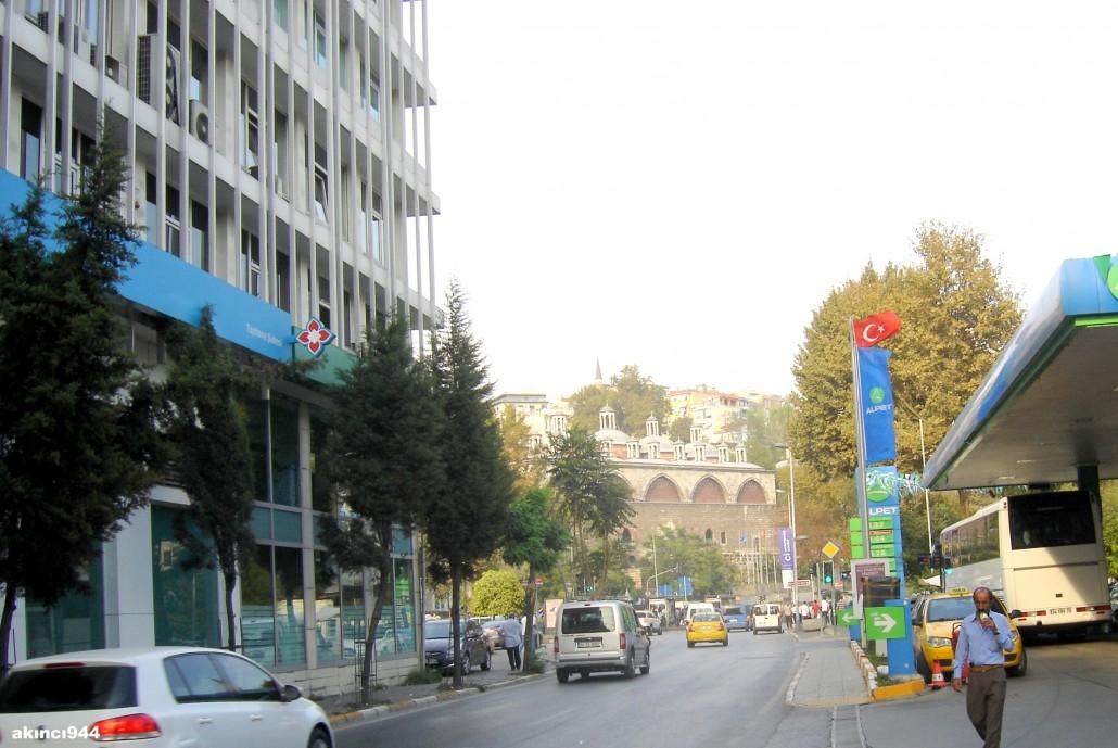 Kemeraltı Caddesi