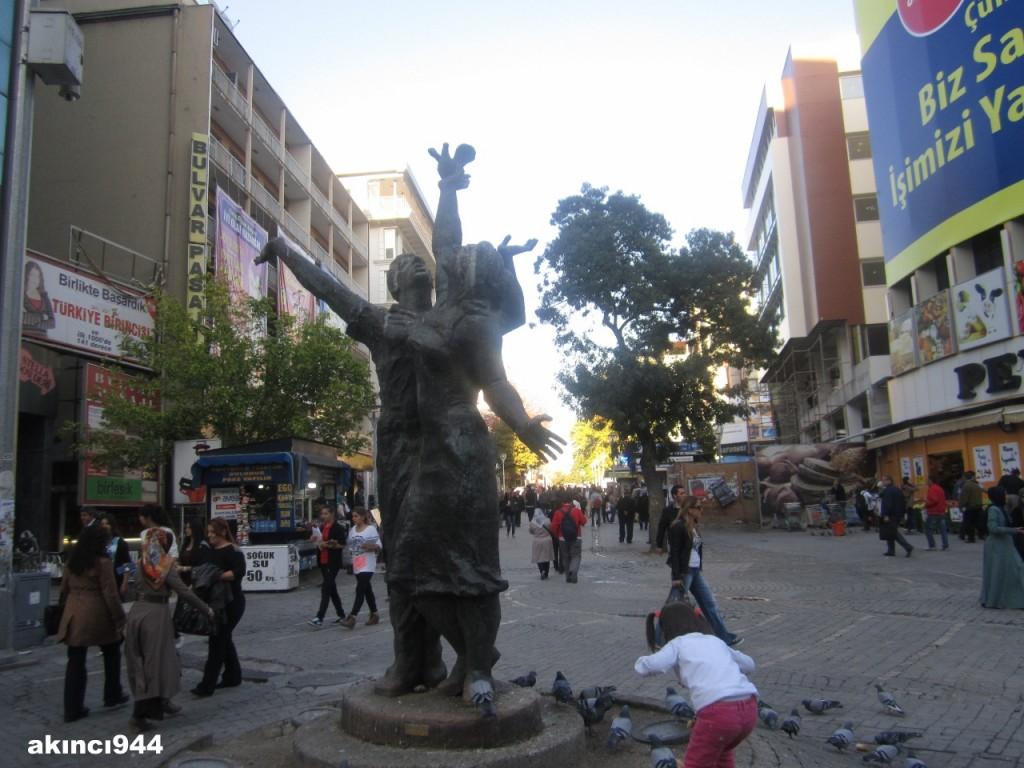 Barış Heykeli Burhan Alkar