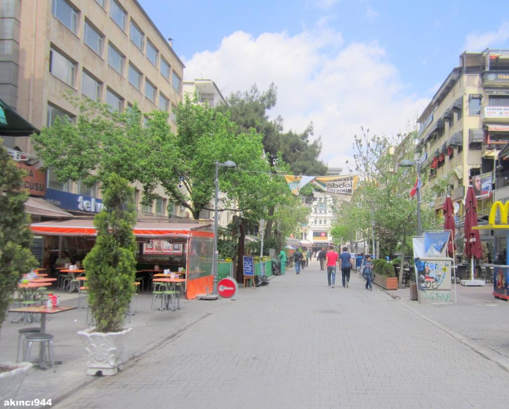Sakarya Caddesi-Bayındır Sokak Kızılay
