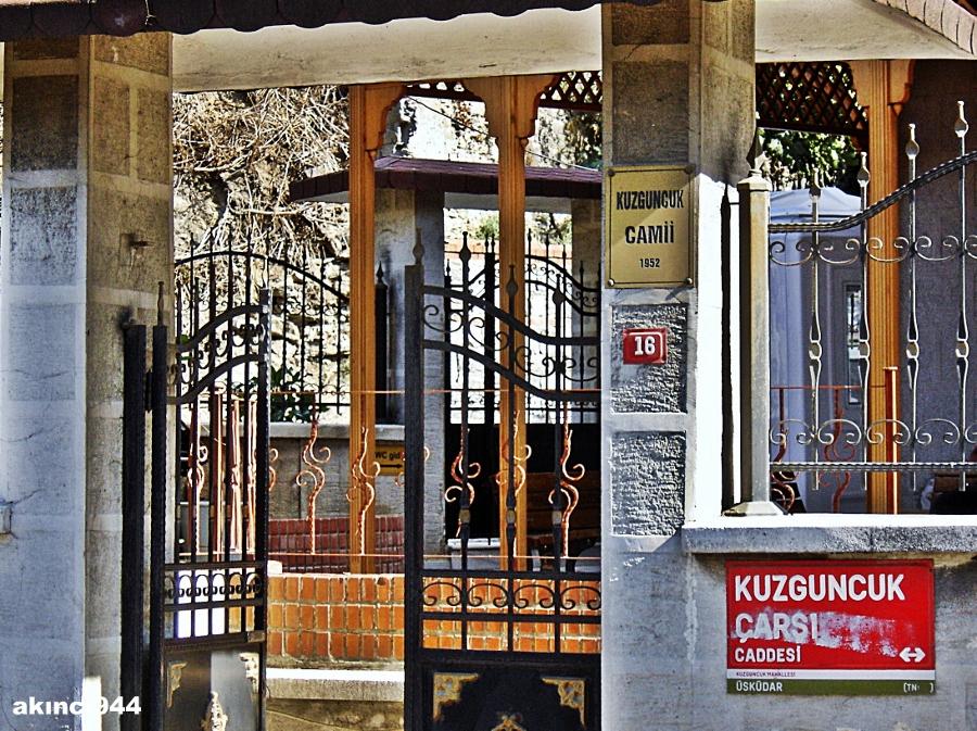 Kuzguncuk Camii  Üsküdar İstanbul