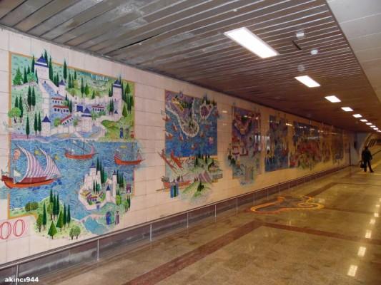 Marmaray ve Metro'da İznik Vakfı Çinileri