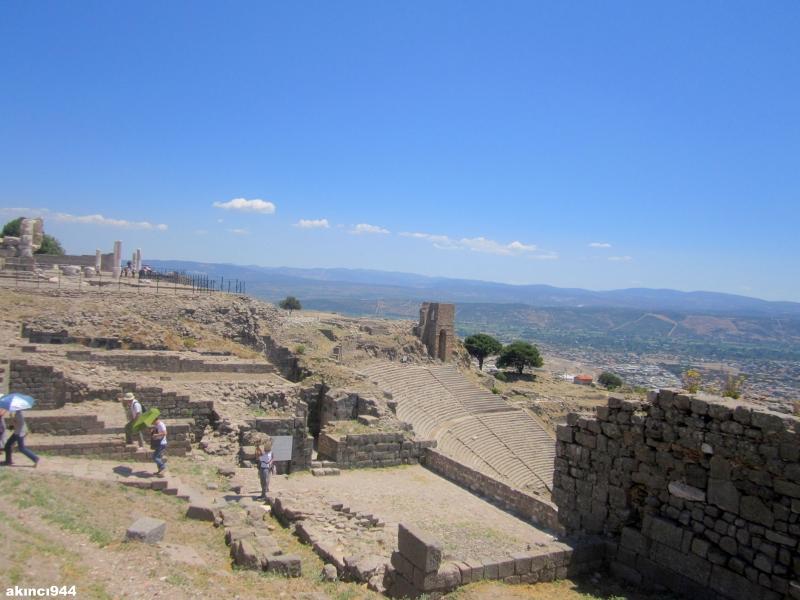 Bergama Akropolisi