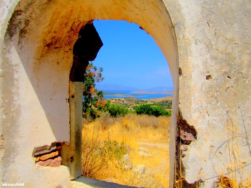Erythrai (Ildır) Antik Kenti Akropolü