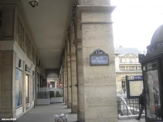 Paris Rivoli Caddesi