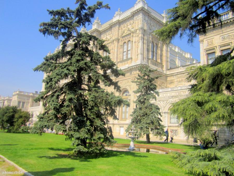 Dolmabahçe Saray? Müzesi
