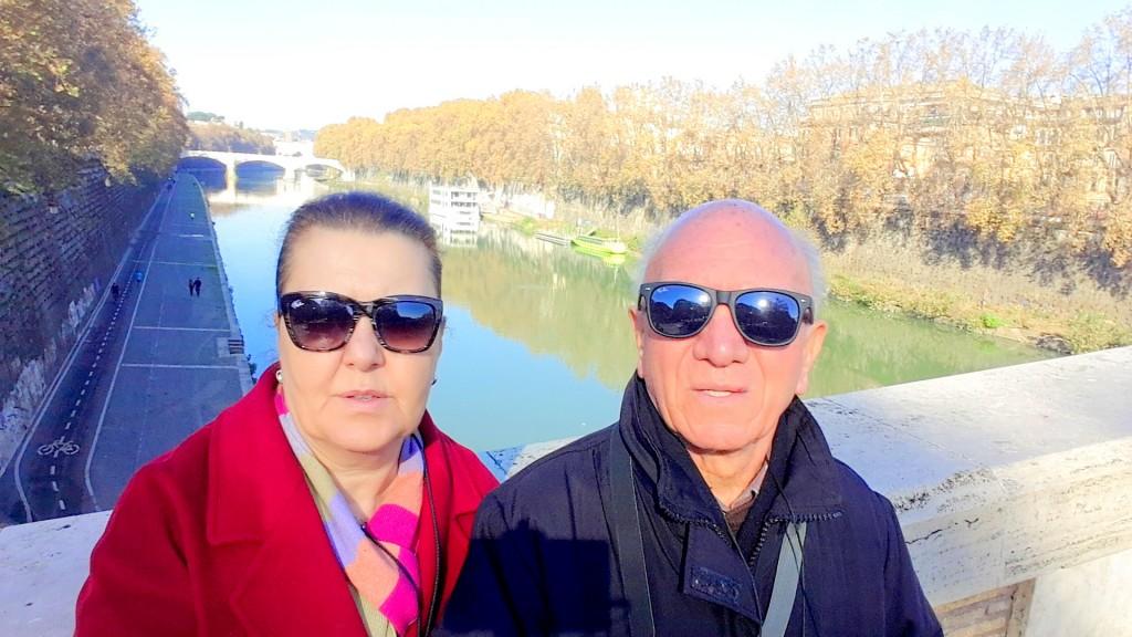 Garibaldi Köprüsü üzerinden Tiber Nehri
